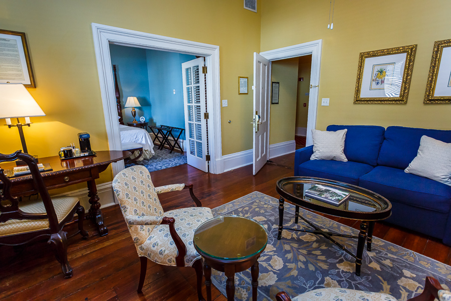luxury rooms suites in savannah ga
