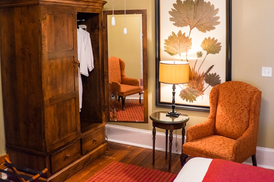 Marshall House Superior King Suite in Savannah